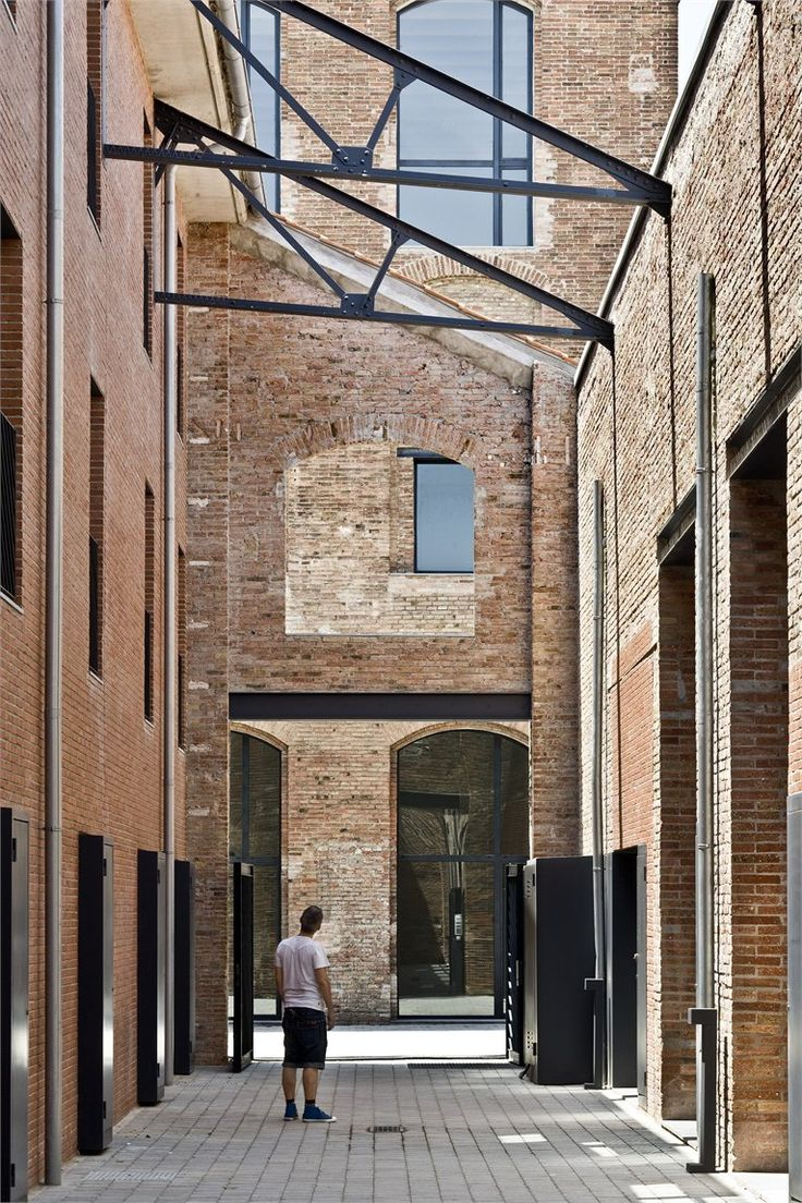 Non Conventional Housing Industrial area Poblenou Jordi Garces + Daria de Seta Arquitectes