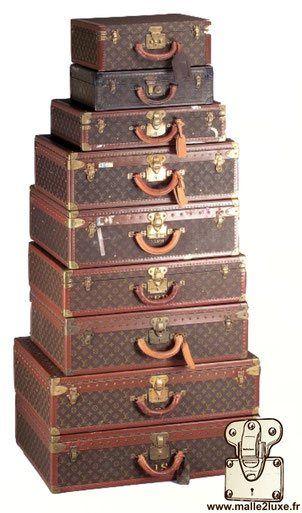 pyramide de valise des voyages louis vuitton bisten alzer vintage collection cb301a484ba