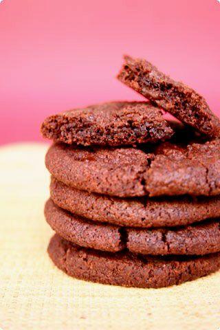 chocolate cookies with fleur de sal (Pierre Hermé)...by il cavoletto di bruxelles