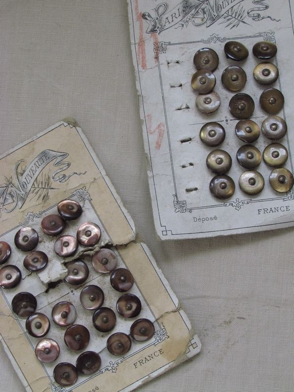 Franse knopen /French buttons. SOLD