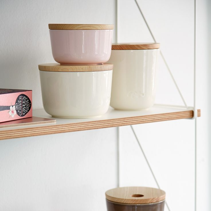 The Unit Miniature storage jars are available in three sizes and in shades of white, rose, antracit and mocha.
