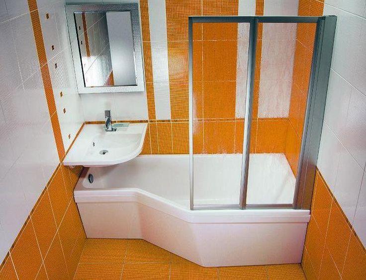 Экономия места: раковина располагается прямо над ванной,вместо шторок стелянные створки как у дешевых кабин, а задняя часть ванной расширена и получается полноценная душевая кабина, в которой не будешь биться локтями о стенки