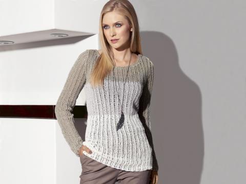 Mit diesem Pullover kann der Herbst kommen - finden Sie hier die Strickanleitung für einen modischen Winterpullover, der auch noch kuschelig warm hält!