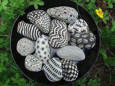 Rock/stone drawing / tegning på sten. Min nye hobby - mangler bare stenene ;)