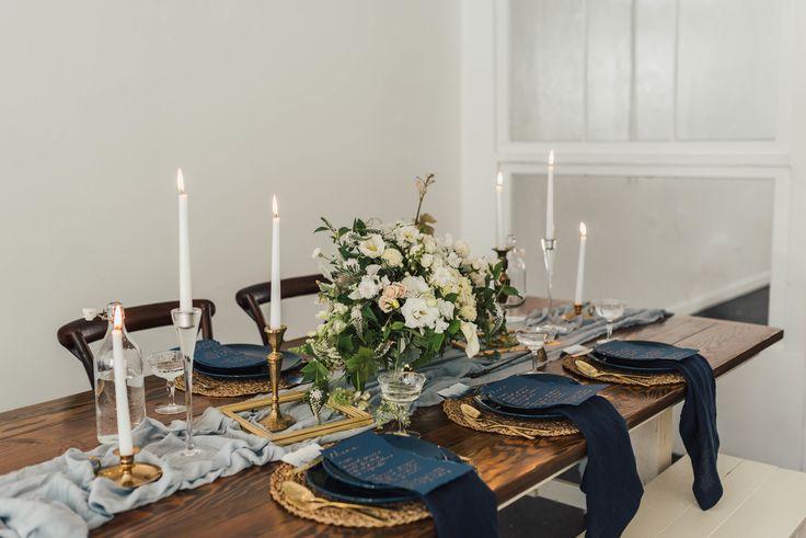 Gold and navy color palette | #tabletop #goldandnavy #tablescape #wedding #decor #weddinginspiration