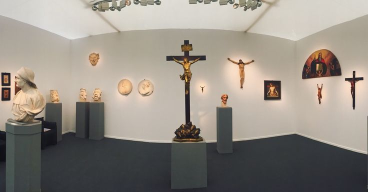 Stand BacarelliBotticelli at Frieze Maters Christs and marbles