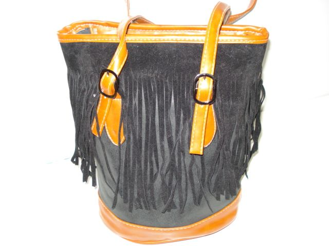 R320 - Black Tassle Satchel