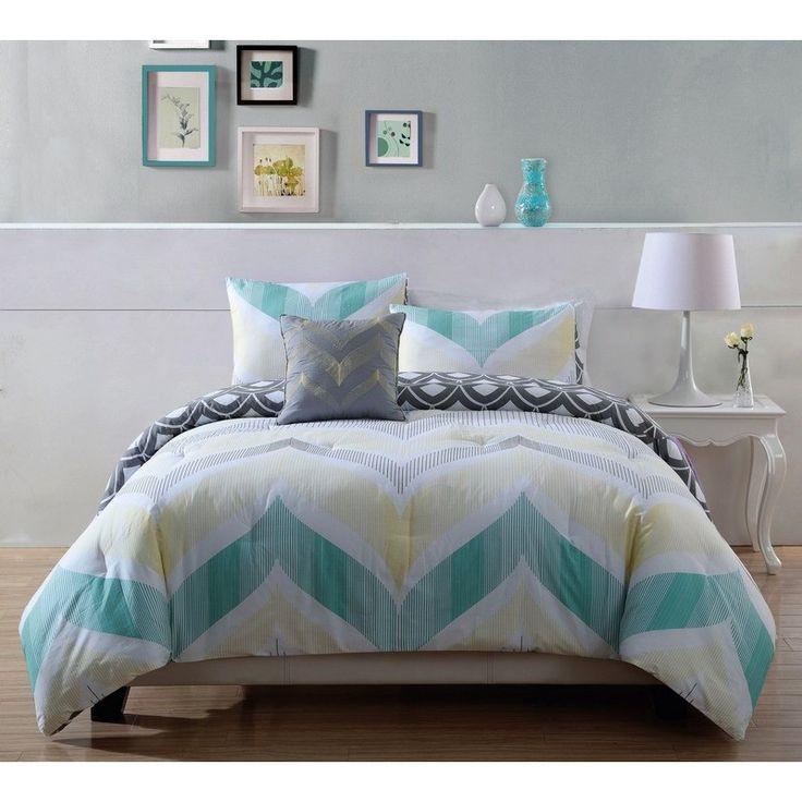Fine Line Full/Queen Comforter Set