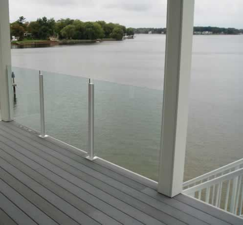 The 25 best glass deck railing ideas on pinterest glass for Glass balcony railing