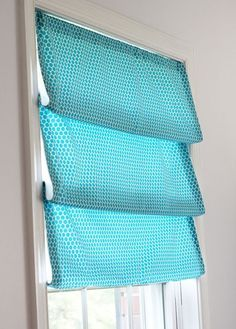 This would be so easy and cheap for all of my windows. Especially the living room.  How to Use One Yard of Fabric To Style a Window Shade 3 Ways | In My Own Style.