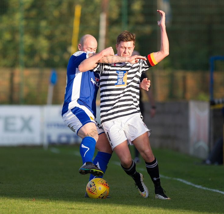 Queen's Park's Sean Burns in action during the SPFL League One game between Stranraer and Queen's Park.