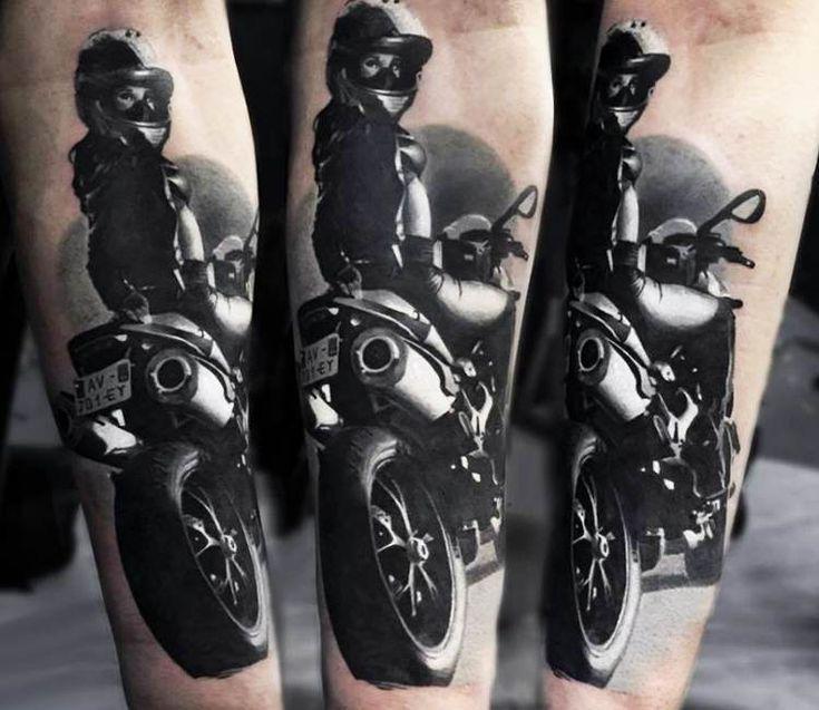 Mädchen auf einem Motorrad Tattoo von Sasha O Kharin – Schwarz und Grau Tattoos…