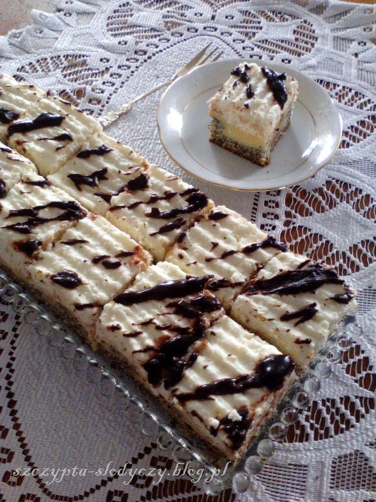 Ciasto Makowe Wydmy pod kokosową pierzynką   Szczypta Słodyczy