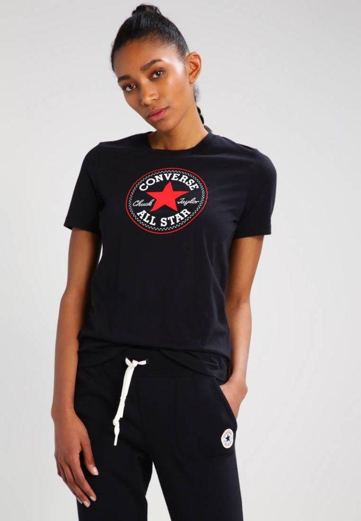 Converse. CORE SOLID CHUCK PATCH - T-Shirt print - black. Modelgröße:Unser Model ist 180 cm groß und trägt Größe S. Ausschnitt:Rundhals. Passform:normal. Material Oberstoff:100% Baumwolle. Gesamtlänge:64 cm bei Größe S. Pflegehinweise:Maschinenwäsche bei ...