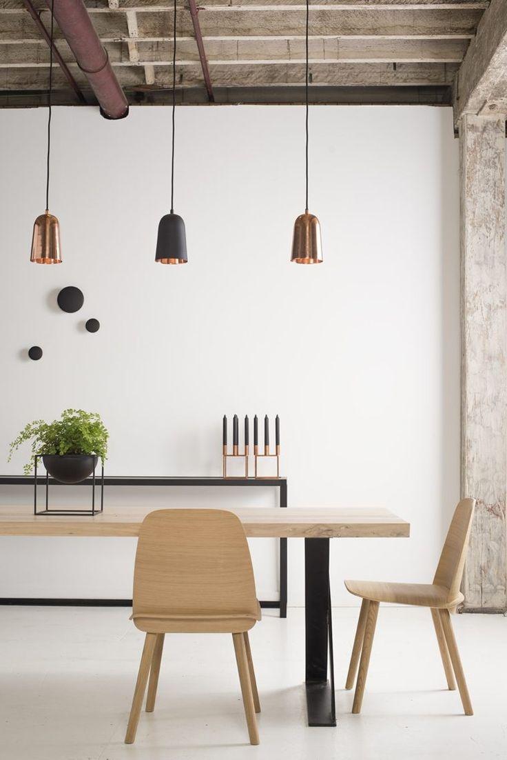 chaise scandinave bois amenagement salle a manger luminaire suspendu