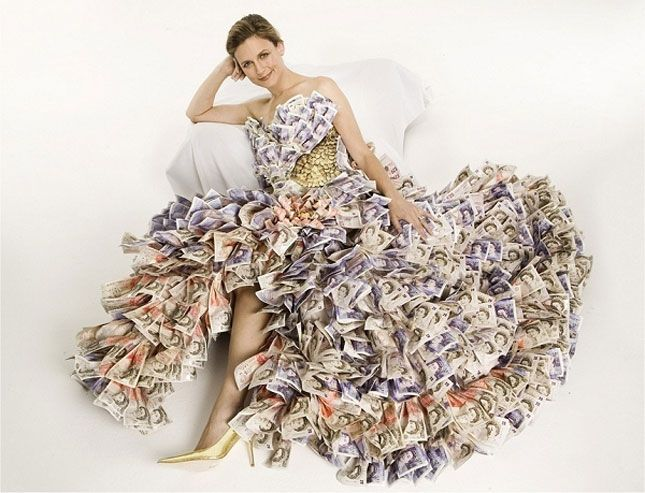 Money Dress | 15 Dresses Made from Recycled Materials
