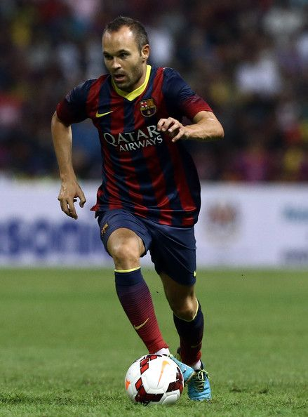 Andres Iniesta of Barcelona FC dribbles with the ball during the friendly match between FC Barcelona and Malaysia at Shah Alam Stadium on Au...