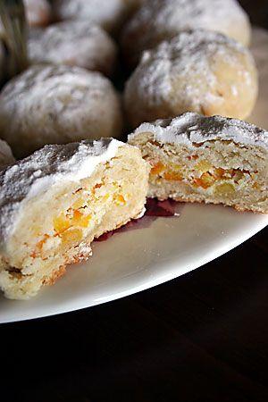 portakal ağacı: portakallı ve lorlu kurabiyeler, İsveç köftesi, kuzukulağı salatası, bal arısı keki, sirkeli poğaça,