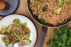 Kremet speltpasta med bacon og brokkoli