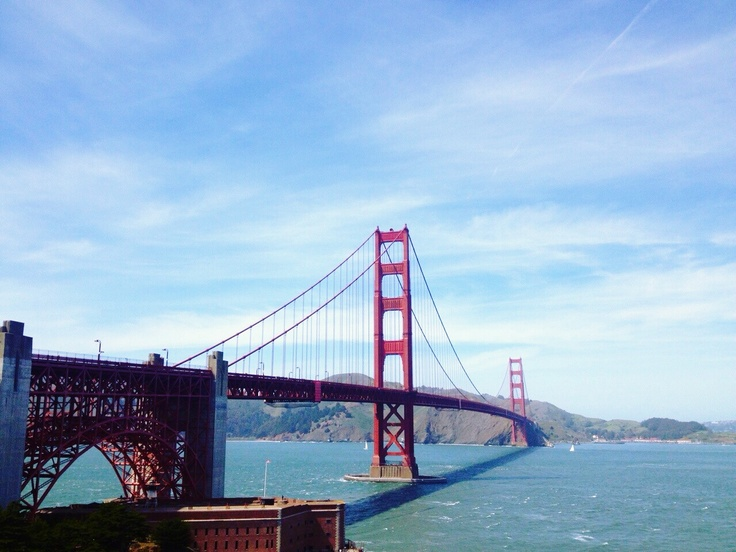 Jelly: I had been to the Gloden Gate Bridge. It's very beautiful place. It's a little bit cold and fog.