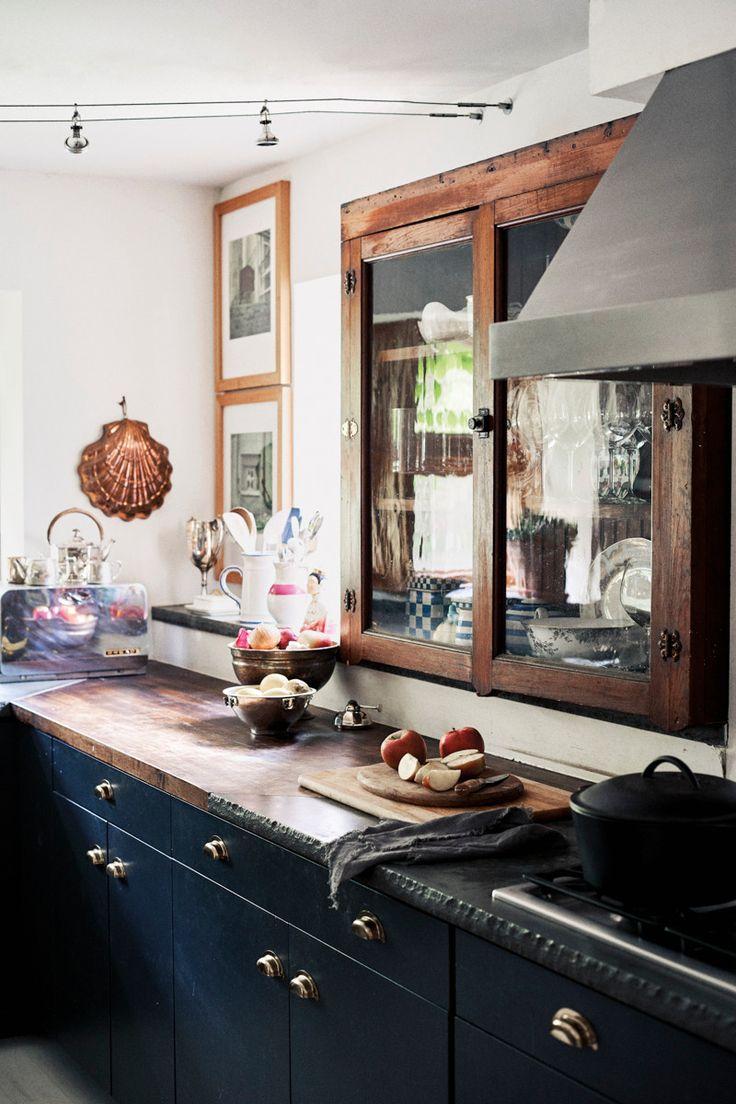 Best Dark Paint For Kitchen Cabinets - Black Kitchen ...