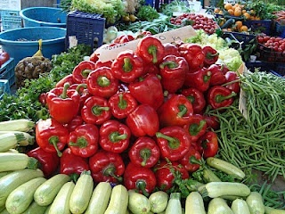 Sineu Market, #Mallorca (Balearic Islands, Spain). Enjoy the typical Majorcan cuisine in our hotel-restaurant, a typical Catalonian country house, at the foot of the Puig de Randa. http://www.esrecoderanda.com/