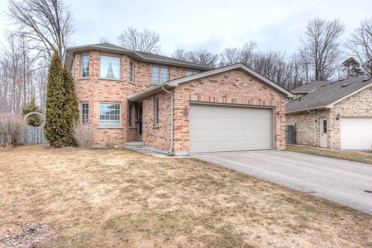 Immaculate 3 Bedroom, 2.5 Bathroom, 2-Storey on a Large Lot backing onto a Forest!  - $279,900 - www.LondonOntarioRealEstate.com/listing/cms/19-exmouth-dr-london-house-for-sale/ -  #RealEstate #ForSale in #London by #Realtor
