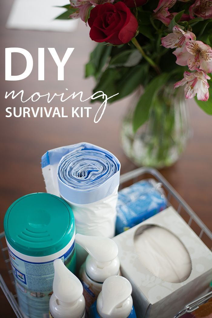 Moving can be stressful, make it easier with this DIY moving kit that includes all the essentials you will need at your new home! #ad #FoamSensations #CollectiveBias