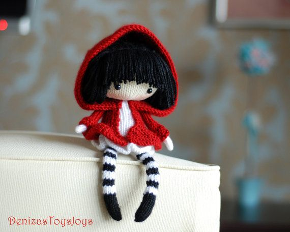Eugene. The Doll in striped stockings with big umbrella. - pdf knitting pattern. Knitted round.