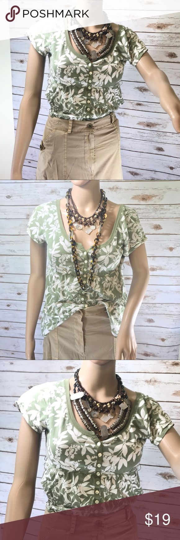 Abercrombie and Fitch Sage Green and Cream Tee Abercrombie and Fitch Sage Green and Cream Tee  SIZE M - necklaces not included. Listing is for shirt only. Abercrombie & Fitch Tops Tees - Short Sleeve