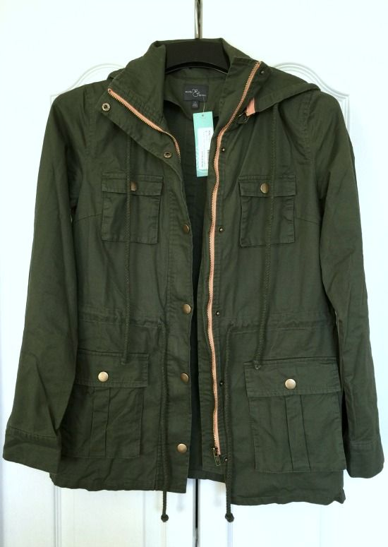 I like these Cargo type jackets, Jackie!! I'd like one that would be good for rainwear. Stitch Fix #9: Chaplin Hooded Anorak Cargo Jacket | This Gal Cooks