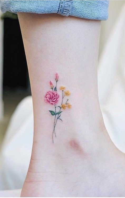 Over 50 great designs for little tattoos, ideas and little tattoos … #flower tattoos