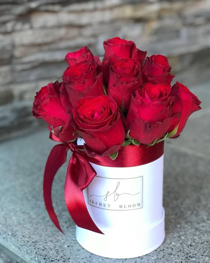 Red Roses Box of red flowers Valentine´s day For Her From Him Secret Bloom Boxes