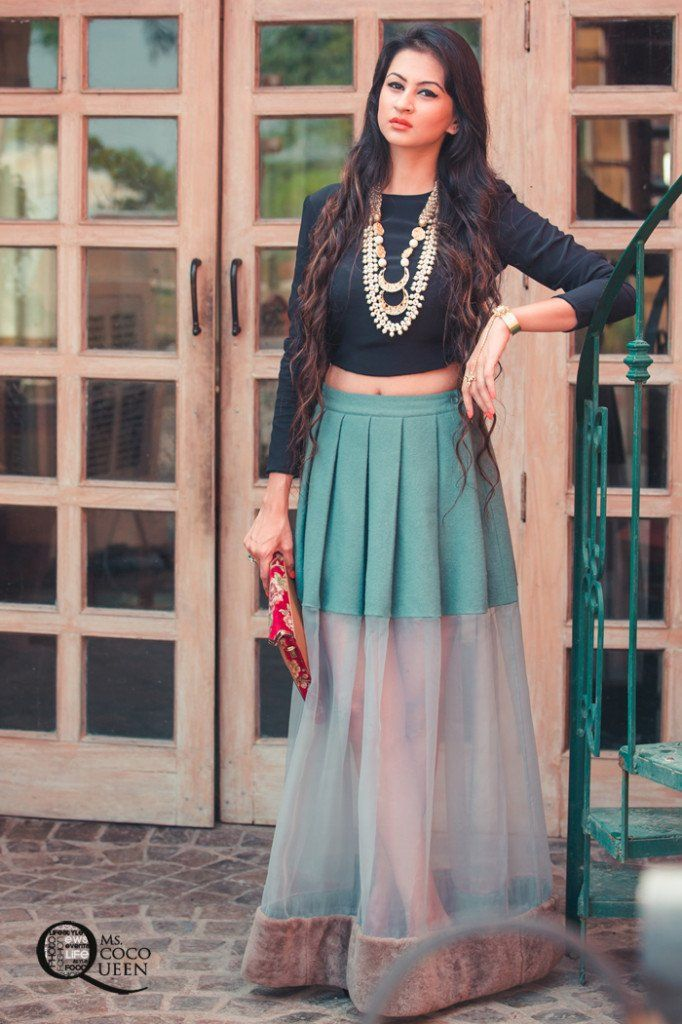 Fusion Indian Look. #CropTop #Sheer pleated skirt by HUEMN and jewellery by loveforprettythings.com #fashionblogindia #fushionlook #maxiskirt #ootd #lookbook #outfitinspiration #mscocoqueen #indianjewellery