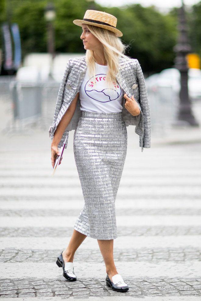Стильные образы Джованны Боттальи, Оливии Палермо, Кьяры Ферраньи и других трендсеттеров на неделе высокой моды в Париже.