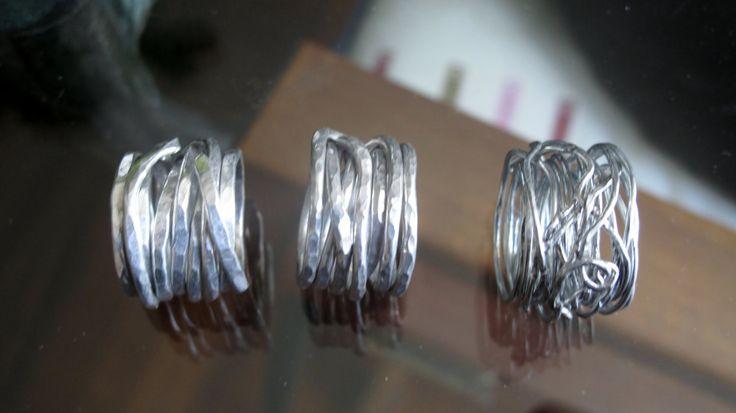 anelli alluminio, leggeri, flessibili, irregolari, groviglio, handmade, fatti su ordinazione, personalizzabili di atelieretoiles su Etsy