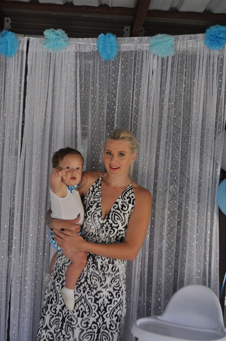 birthday boy photo with mummy.