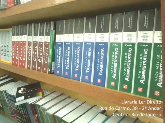 Uma ótima terça-feira a todos!  Aproveite o dia e conheça o SALDÃO de livros jurídicos da Ler Direito!  Livraria Ler Direito Rua do Carmo, 38 / 2º andar - Centro / RJ Telefone: (21) 2533- 0443