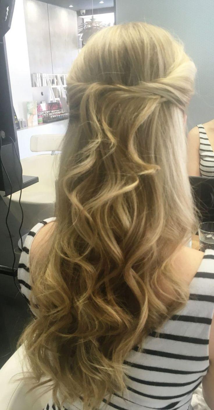 Check out A Bride's Advice.com (www.abridesadvice.com) for all things wedding hair!