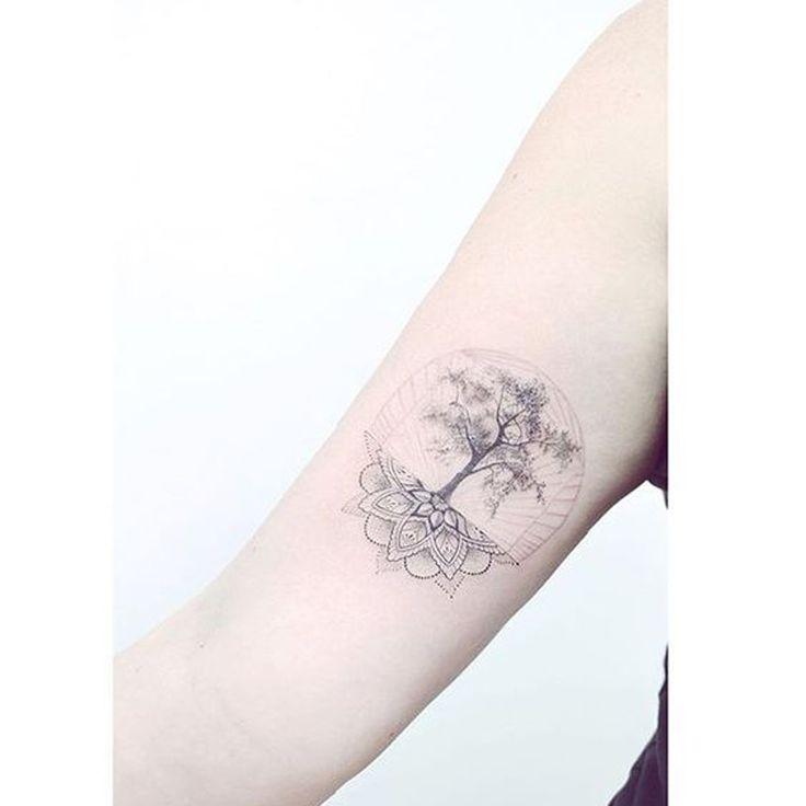 Tatouage mandala arbre de vie