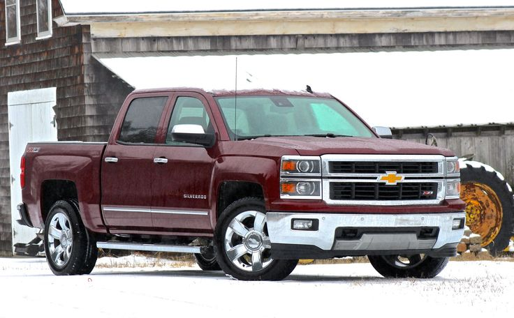 The 2014 Chevrolet Silverado 1500 earned very strong marks from our reviewer, particularly in technology and safety.