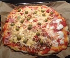 Rezept Pizzateig von Jamie Oliver (der Weltbeste; meiner Meinung nach) von Martina1511 - Rezept der Kategorie Backen herzhaft