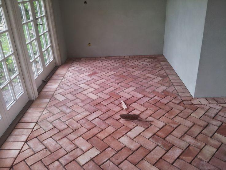 Brick floor fishbone pattern herring tegelgolv qvesarum fiskbensmönstrat med fris Kalkbruk Jugendhuset Orangeri