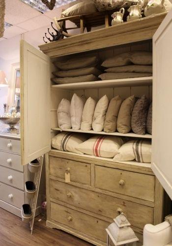 Irish Linen Cupboard   Inside