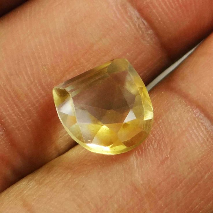 5.Cts 100% AAA   Natural Yellow Citrine Untreated Stone Fancy Brazil Gemstone ..this is img