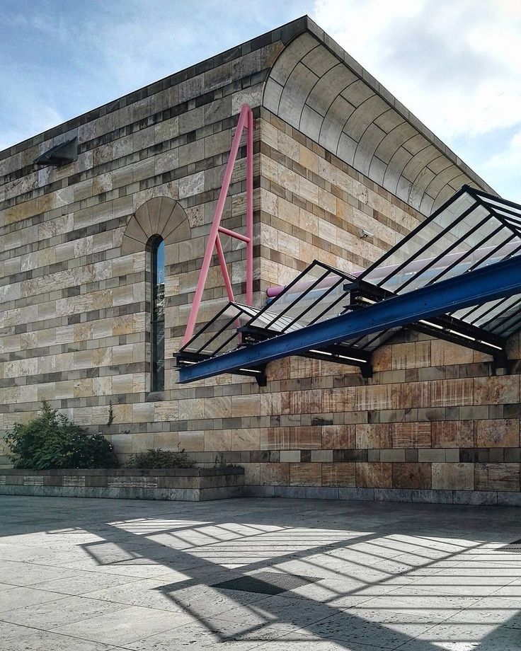 Neue Staatsgalerie, Stuttgart/ Germany, 1979-1984 | built by James Stirling | photo by @ jjuliska
