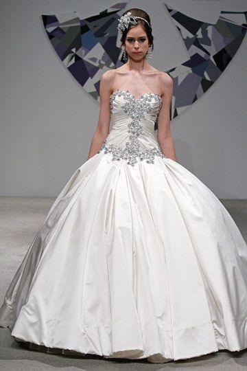 Love Pnina Tornai Wedding Dress Full Ballroom Gown With Lots Of Embellished Crystals On The