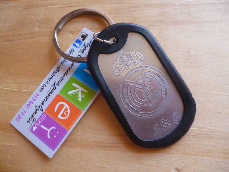 Llavero placa estilo militar en acero inoxidable con grabado personalizado. COLOMBIA 321 986 48 38