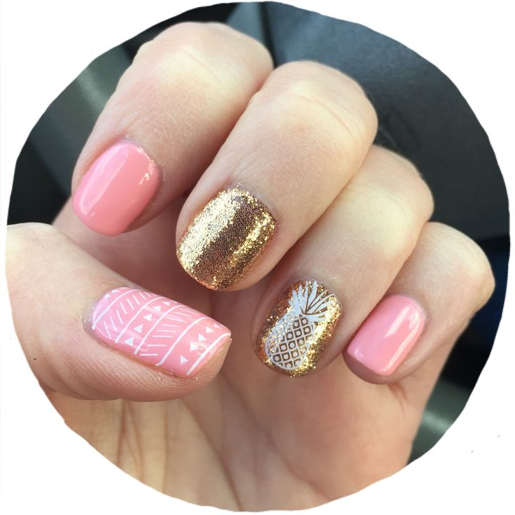 Love the pineapple accent nail with gold and pink colors!