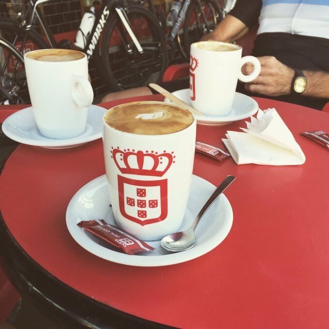 This is what happiness looked like! Fresh cuppa after a tough bike ride #vidaecaffe #lindt #healthyliving #ideserveit